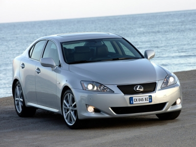 Lexus IS / седан